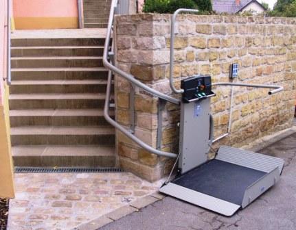 elevateurs pour pmr installations escalier courbe. Black Bedroom Furniture Sets. Home Design Ideas